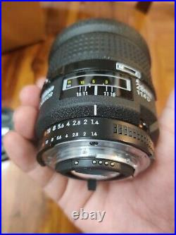 Nikon NIKKOR AF 28mm f/1.4D Aspherical Lens